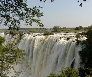 Victoria-Falls-africanoverland201407250224181.JPG